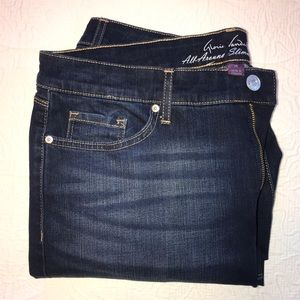 GLORIA VANDERBILT Jessa Slimming Effect Denim Jean